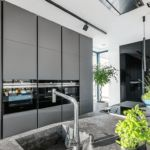 Kuchnia zabudowana do sufitu
